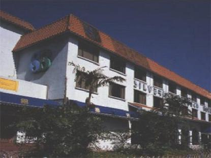 Silvermine Beach Hotel