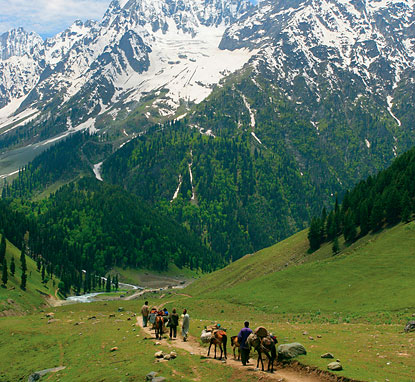http://www.destination360.com/asia/india/images/s/kashmir.jpg