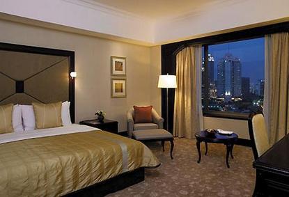 http://www.destination360.com/asia/indonesia/jakarta/shangri-la-hotel-jakarta.jpg