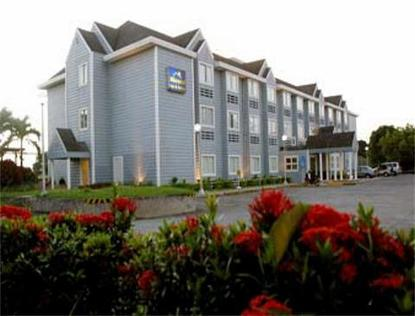 Microtel Inn And Suites Eagle Ridge
