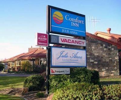 Comfort Inn A Julie Anna