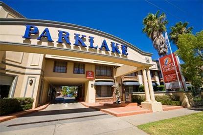 Parklake Motor Inn