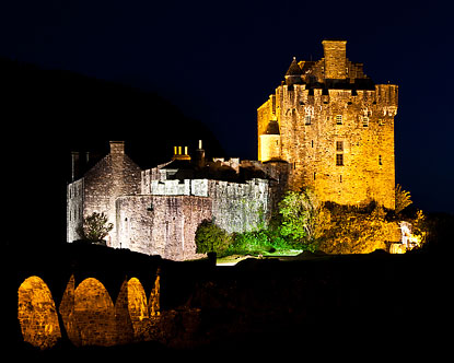 Haunted castles haunted scottish castles for Stay in a haunted castle in scotland