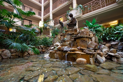 Embassy Suites Hotel Richmond Atrium