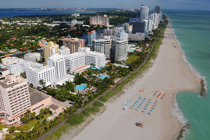 "<p style=""text-align:left;margin-left:20px;margin-right:20px;""><strong>Address:</strong> 3025 Collins Ave., Miami Beach, FL 33139<br /><strong>Price Range:</strong> $$$$<br /><strong>Hotel Style:</strong> Beach Hotel, Luxury Hotel, Spa Hotel, Romantic Hotel <br /><br />An oceanfront resort par excellence, the Palms Hotel & Spa offers plenty for the guest to savor. Just steps from the rooms is a white-sand beach, and the hotel's gorgeous pool is surrounded by palms. This is the more tranquil north side of South Beach, yet the entertainment district is within easy reach nonetheless. The 251 rooms at the Palms Hotel are awash in amenities, and indulgent spa treatments are available at the Aveda destination spa.</p>"