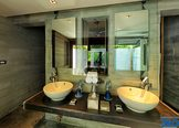 Slate Phuket Resort Bathroom
