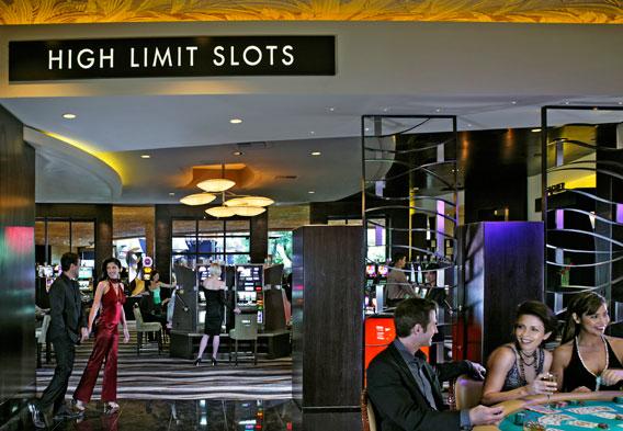 Mirage Las Vegas An Oasis From Las Vegas Heat Located On