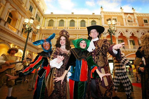Streetmosphere at the Venetian