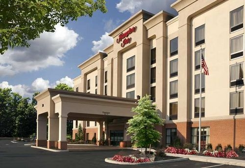 Six Flags New England Hotels