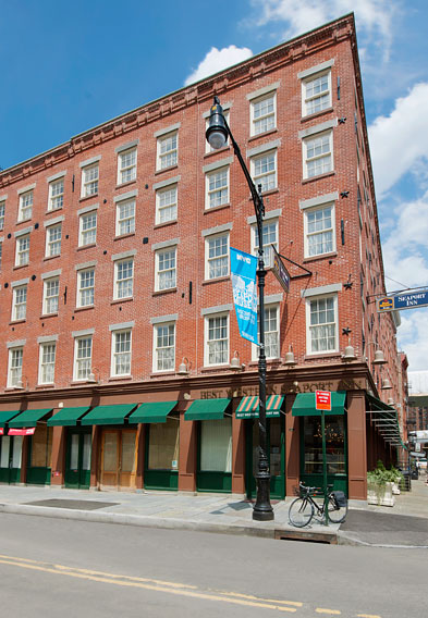 Hotels Near South Street Seaport