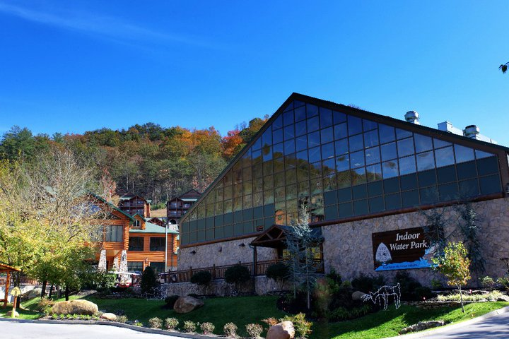 Smoky Mountains Hotels With Water Park