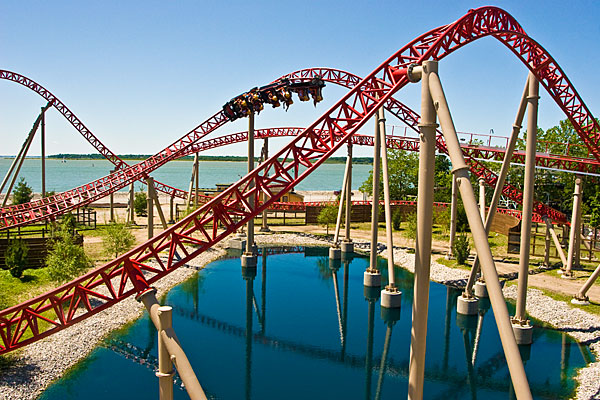 Summer Amusement Parks in North America