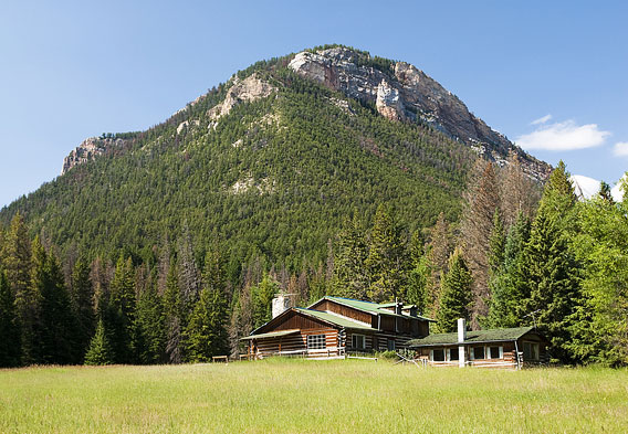 Rocky Mountains Cabin Rentals in Wyoming