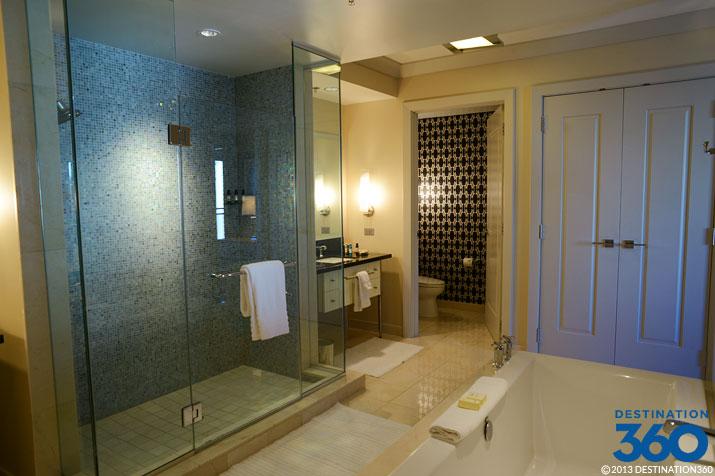 Cosmopolitan terrace suite bathroom for Terrace suite cosmopolitan
