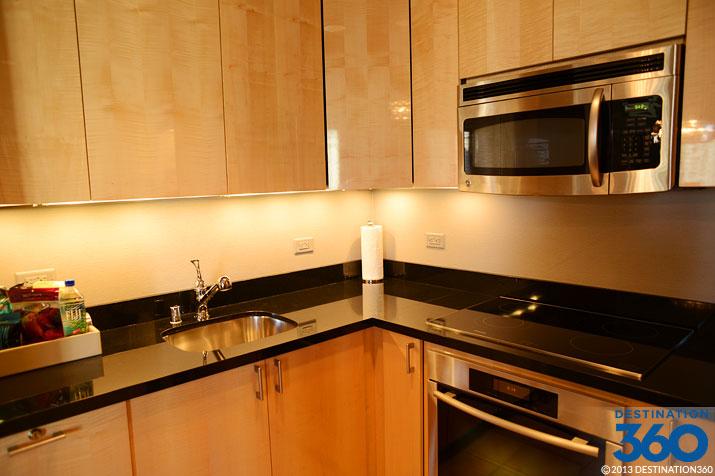 Cosmopolitan terrace suite kitchen for Terrace suite cosmopolitan