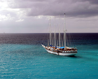 Windjammer Cruise Line