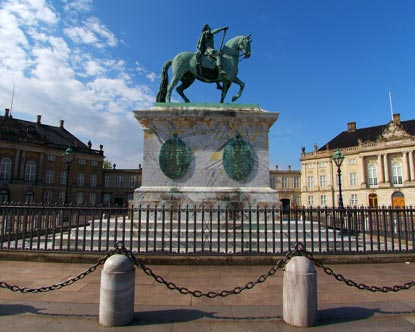 Amalienborg Palace Virtual Tour