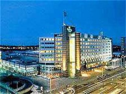 Holiday inn helsinki helsinki deals see hotel photos for Rivoli jardin helsinki