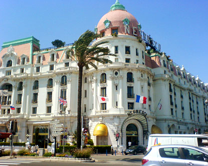 Hotel negresco hotel negresco in nice for Hotels unis de france
