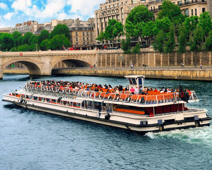 Boat tours in paris
