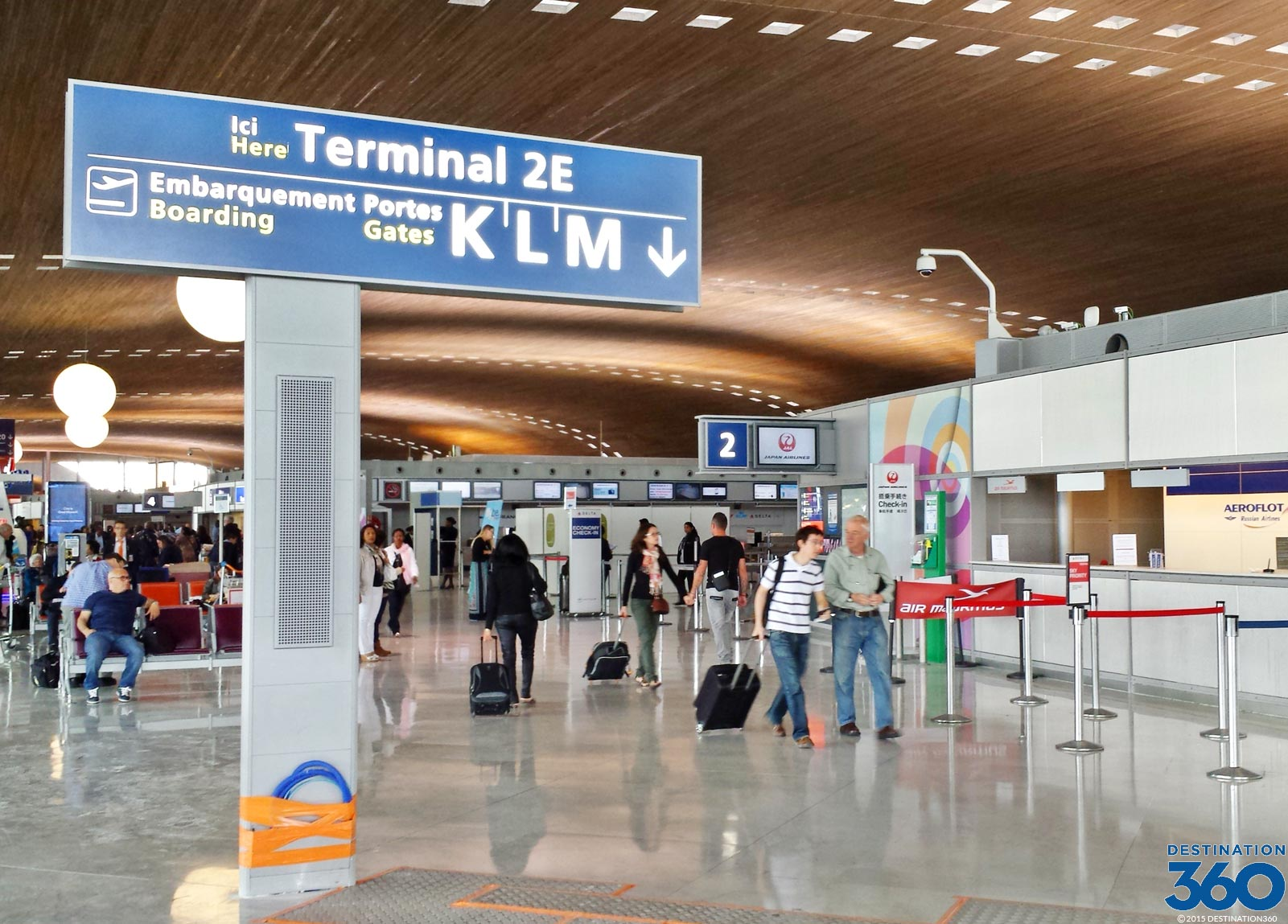 De Gaulle Airport To Tours