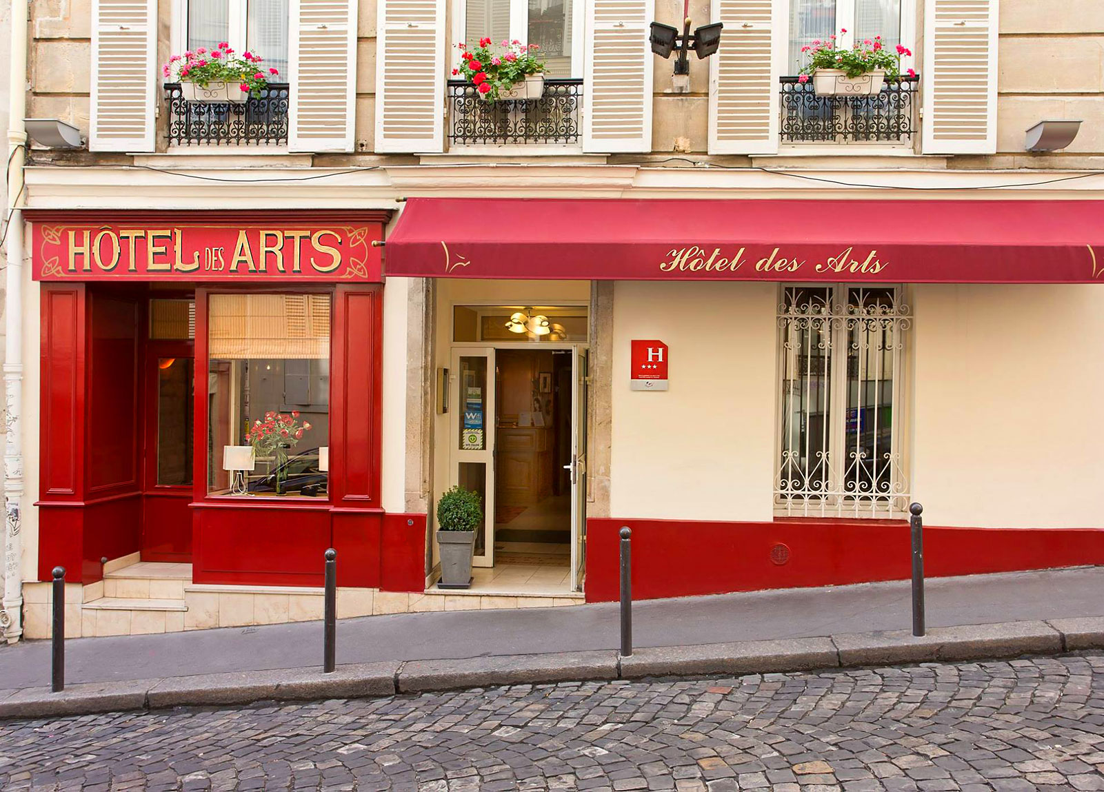 Paris Cheap Hotels - Motel in Paris - Cheap Accommodation in Paris