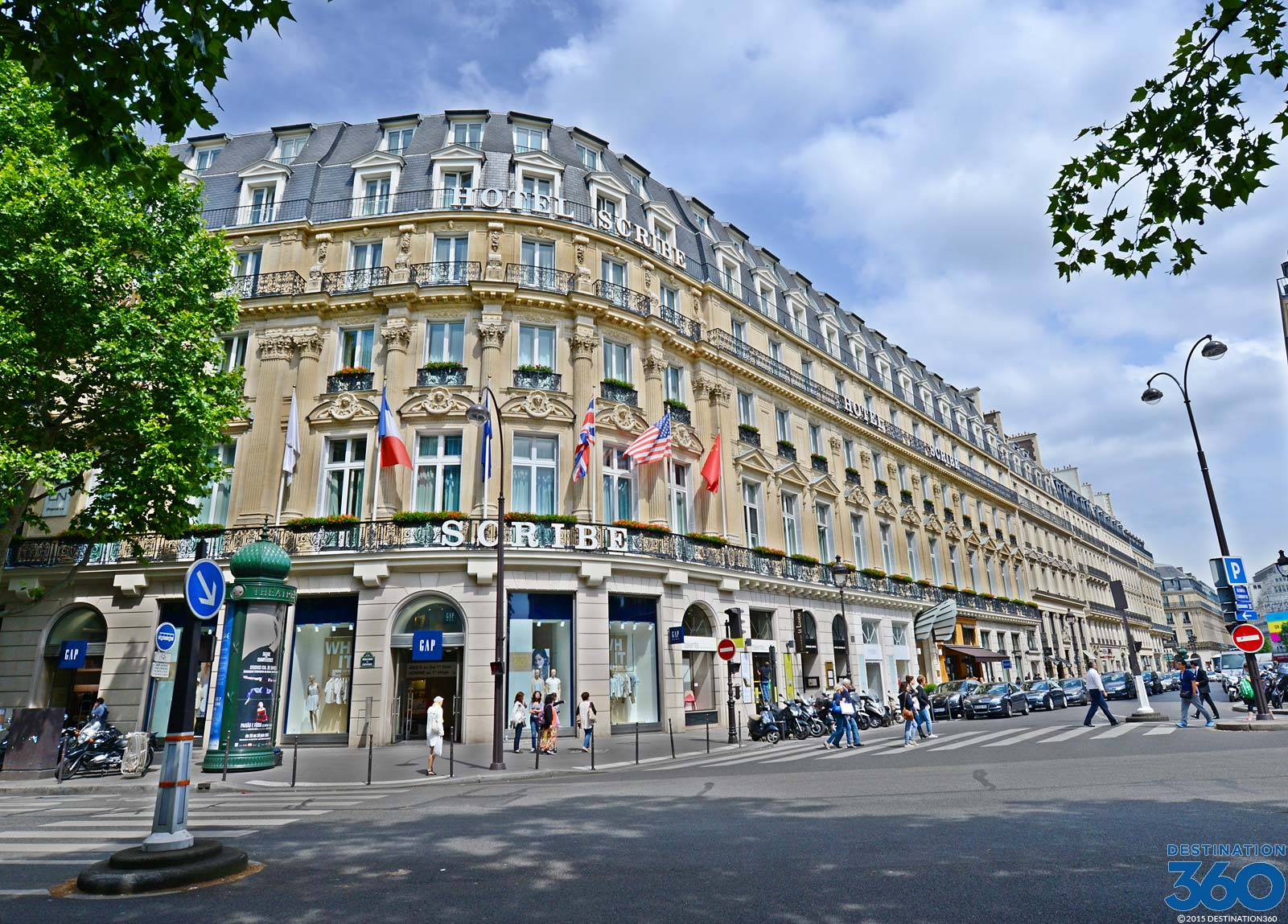 Hotel de la tremoille la trmoille five star paris hotel for Top design hotels in paris