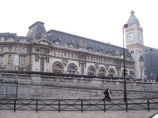 Trianon Gare De Lyon