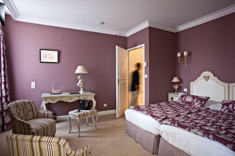 Villa D'est Hotel