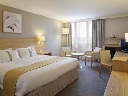 holiday inn paris velizy velizy deals see hotel photos attractions near holiday inn paris. Black Bedroom Furniture Sets. Home Design Ideas