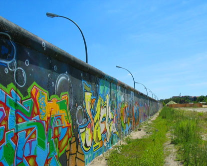This a picture of the Berlin Wall that divides East and West Berlin.