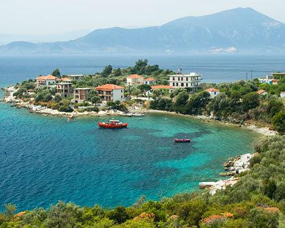 جزيرة سانتوريني اليونانية greece.jpg