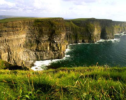 https://www.destination360.com/europe/ireland/images/s/ireland-cliffs-of-moher.jpg