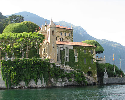Lake como villas villa monastero varenna villa del for Gardens and villa