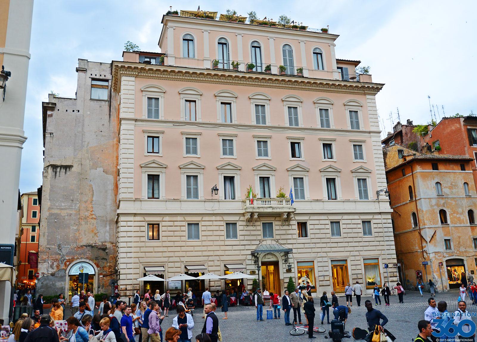 Hotels Near Pantheon Rome