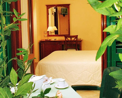 Sorrento bed and breakfasts sorrento italy b b for Italy b b