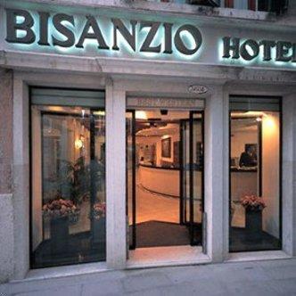 best western hotel bisanzio venice deals see hotel photos attractions near best western. Black Bedroom Furniture Sets. Home Design Ideas