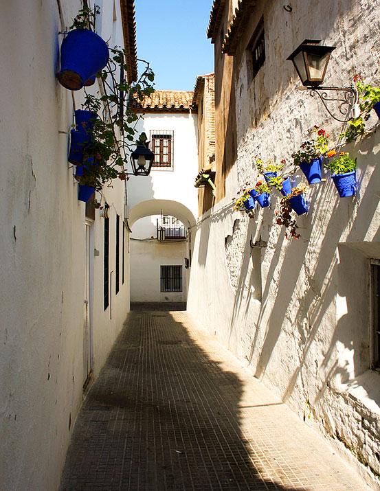 Cordoba Juderia - Cordoba Synagogue - Jewish Quarter in ...
