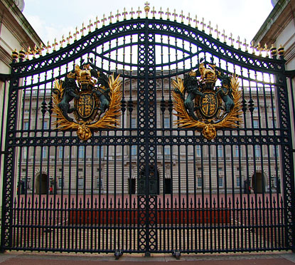 Buckingham Palace Gate Virtual Tour