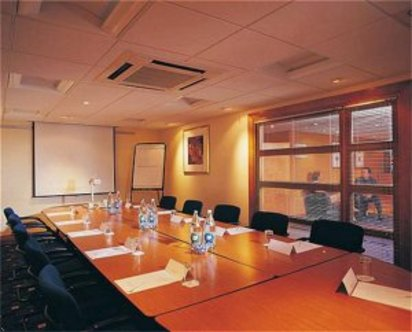 Holiday Inn Manchester Airport