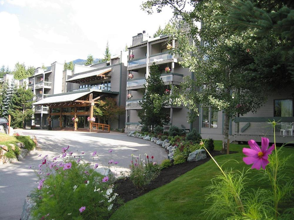 Tantalus Resort Lodge