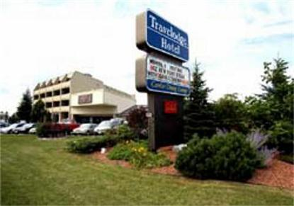 Kingston Lasalle Travelodge Hotel