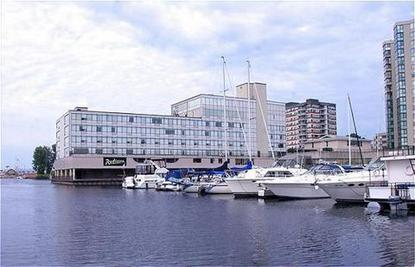 Radisson Hotel Kingston Harbourfront