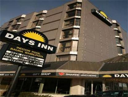 Days Inn   Near The Falls