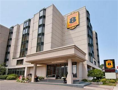 Super 8 Hotel   Niagara Falls
