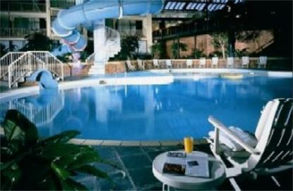 Delta toronto east scarborough deals see hotel photos attractions near delta toronto east for Indoor swimming pool scarborough