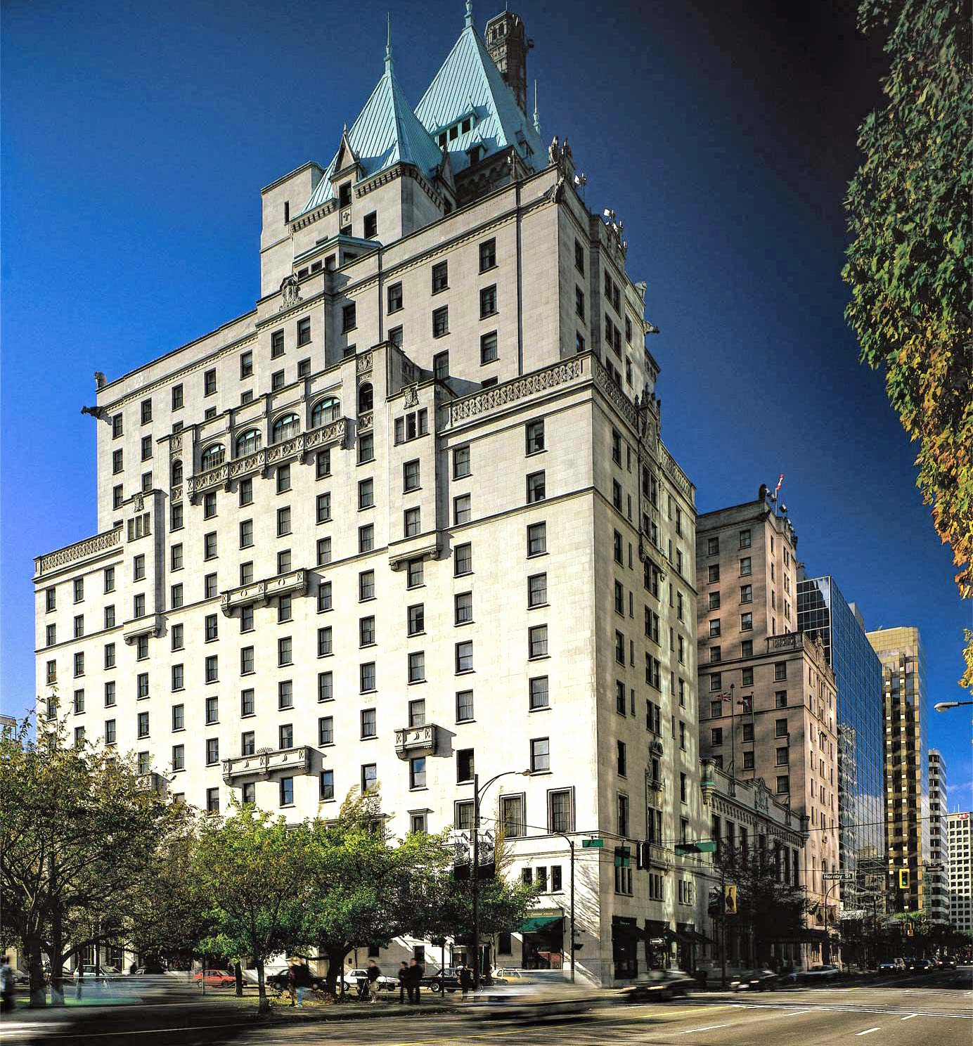 Hotel Vancouver: Fairmont Hotel In Downtown