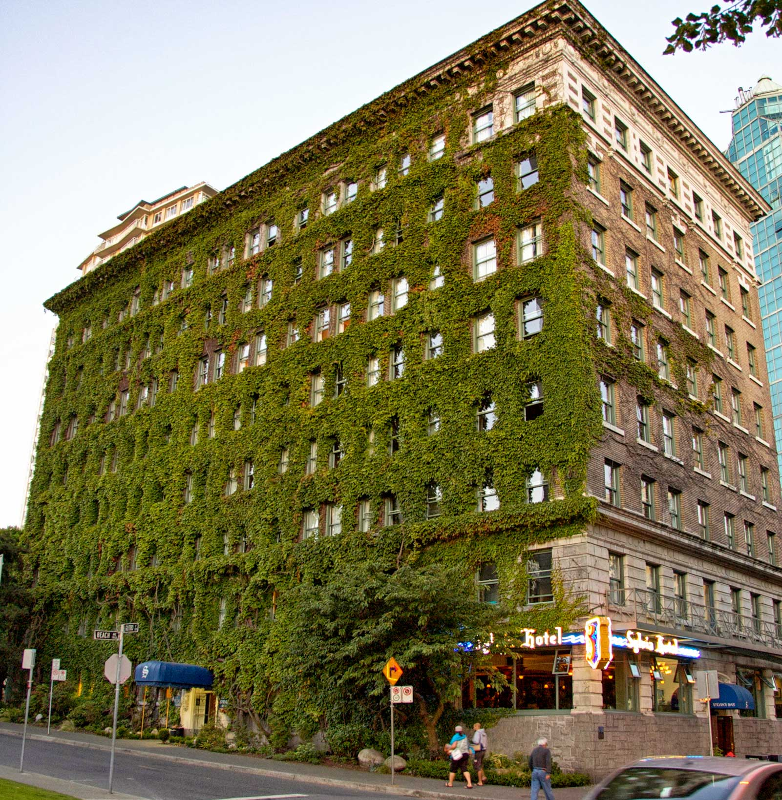 Hotel Vancouver: Sylvia Hotel On English Bay