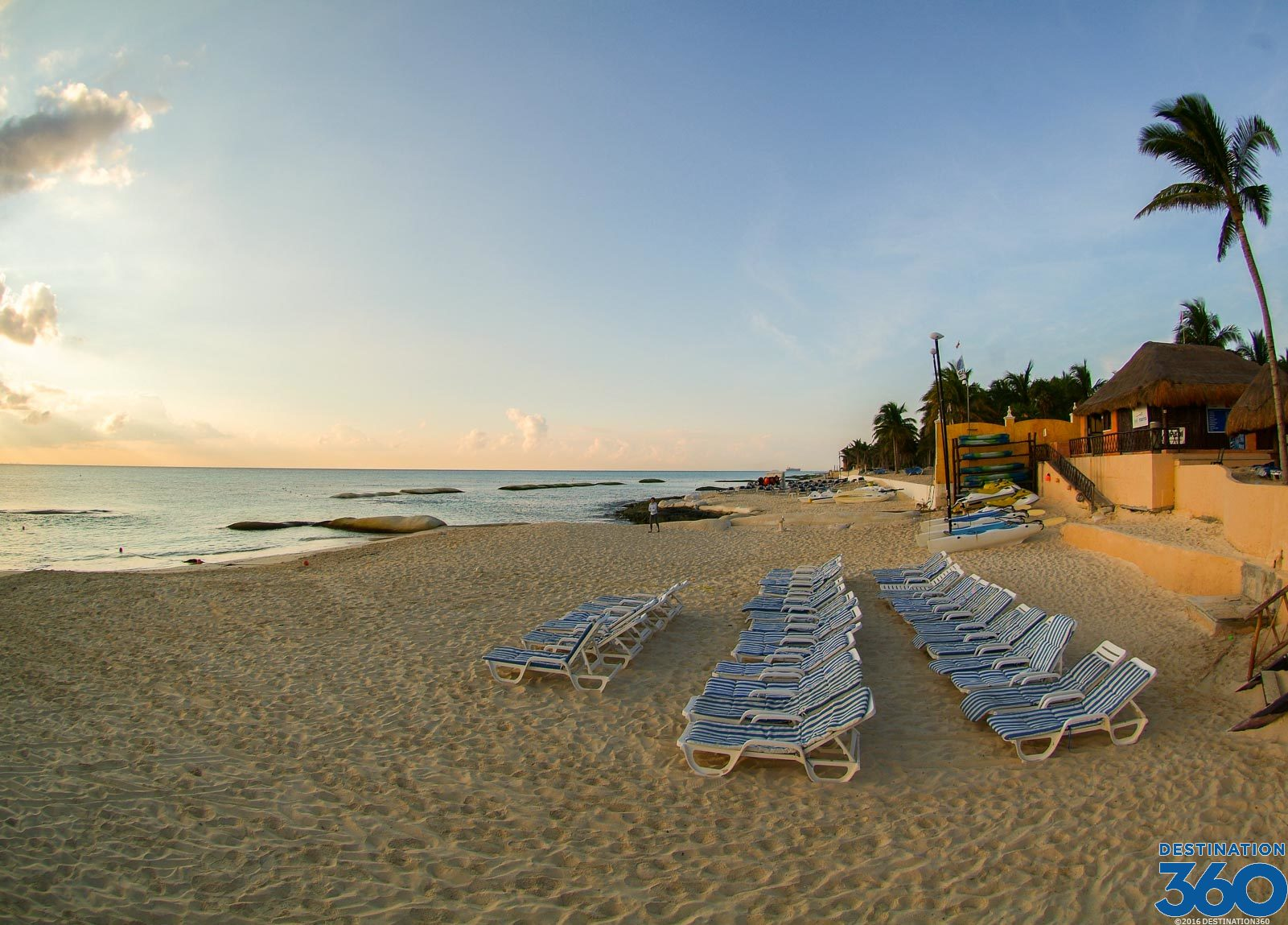Just like Cancun, Playa del Carmen is a very popular tourist destination for