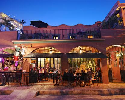 Macaws At Casa De Leyendas Casa De Leyendas Restaurants